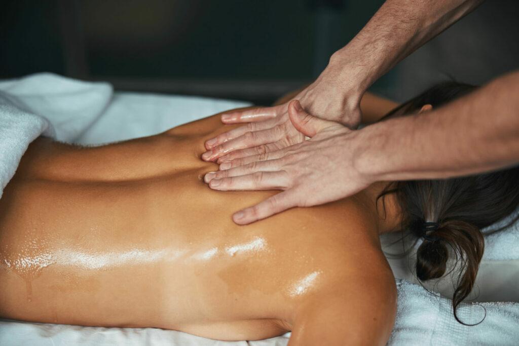 full body massage in spa center