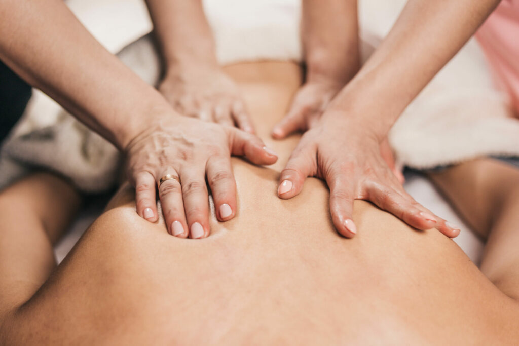Back massage four hands